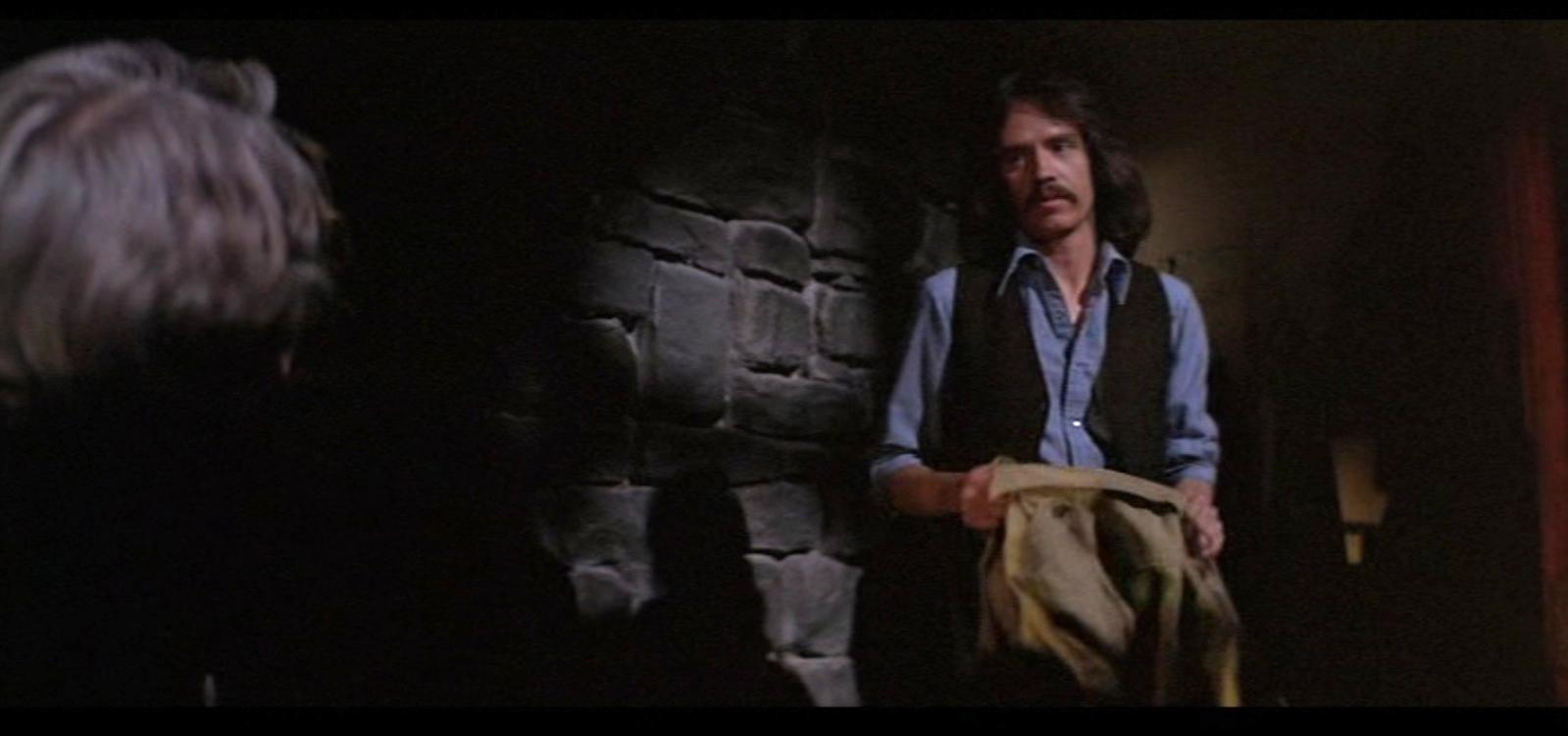 John Carpenter fait une apparition (non créditée) au début de son film Fog