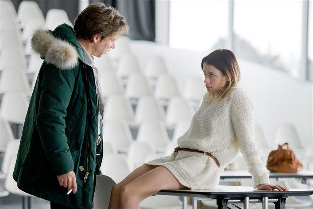 Mathieu Amalric et Sara Forestier dans L'amour est un crime parfait