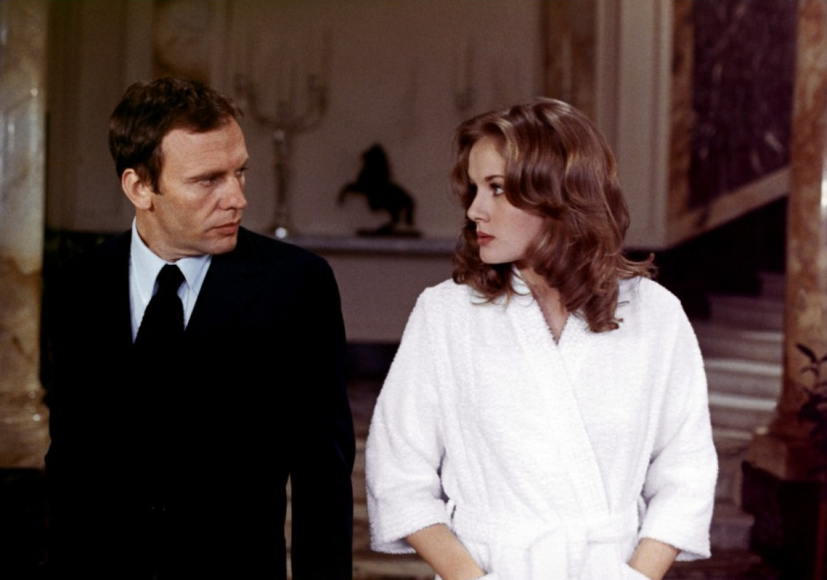Jean-Louis Trintignant et Dominique Sanda dans Sans mobile apparent