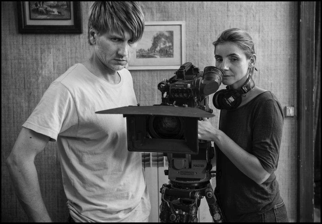 Stanislas Mehrar et Clotilde Courau sur le tournage de L'Ombre des femmes