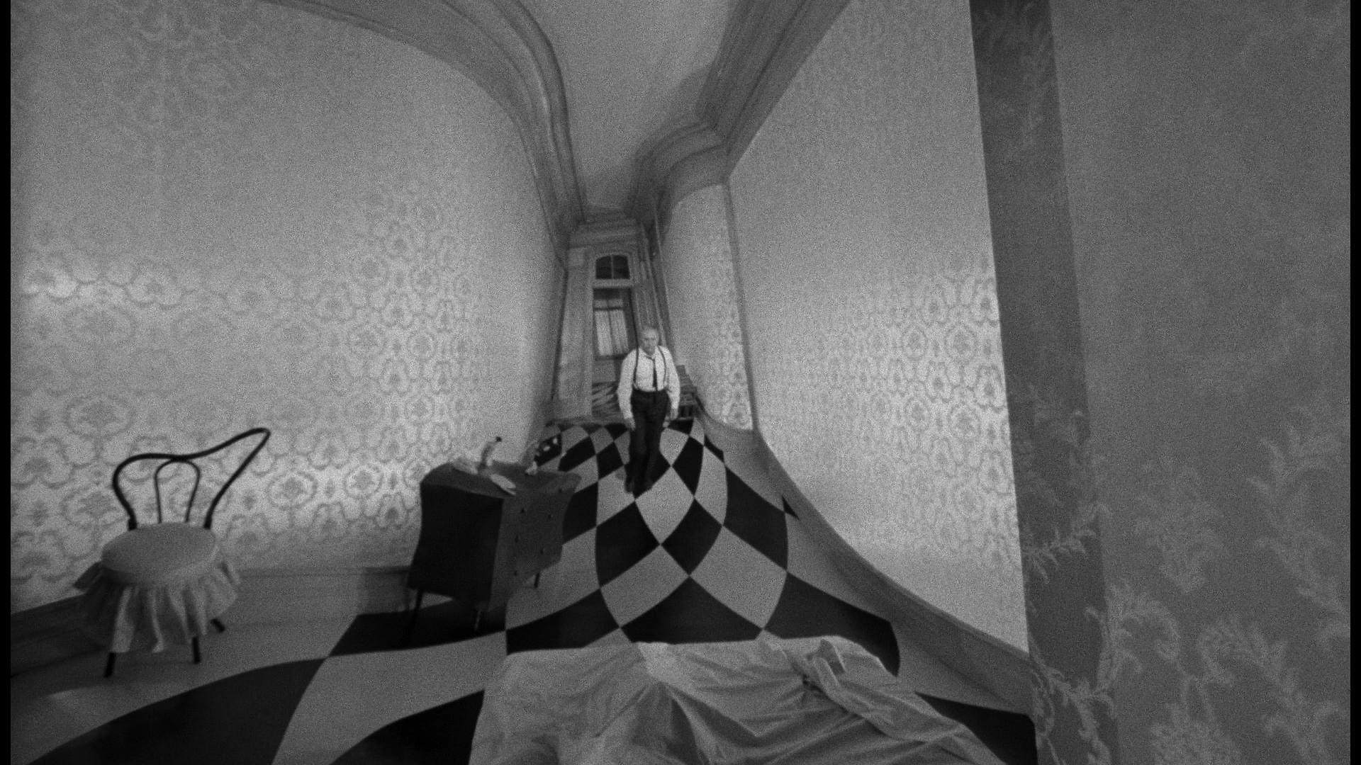 Une scène de rêve digne de Dali et de Caligari