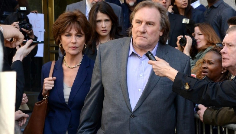 Jacqueline Bisset et Gérard Depardieu dans Welcome to New York