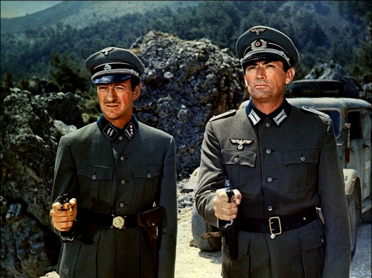 David Niven et Gregory Peck dans Les Canons de Navarone