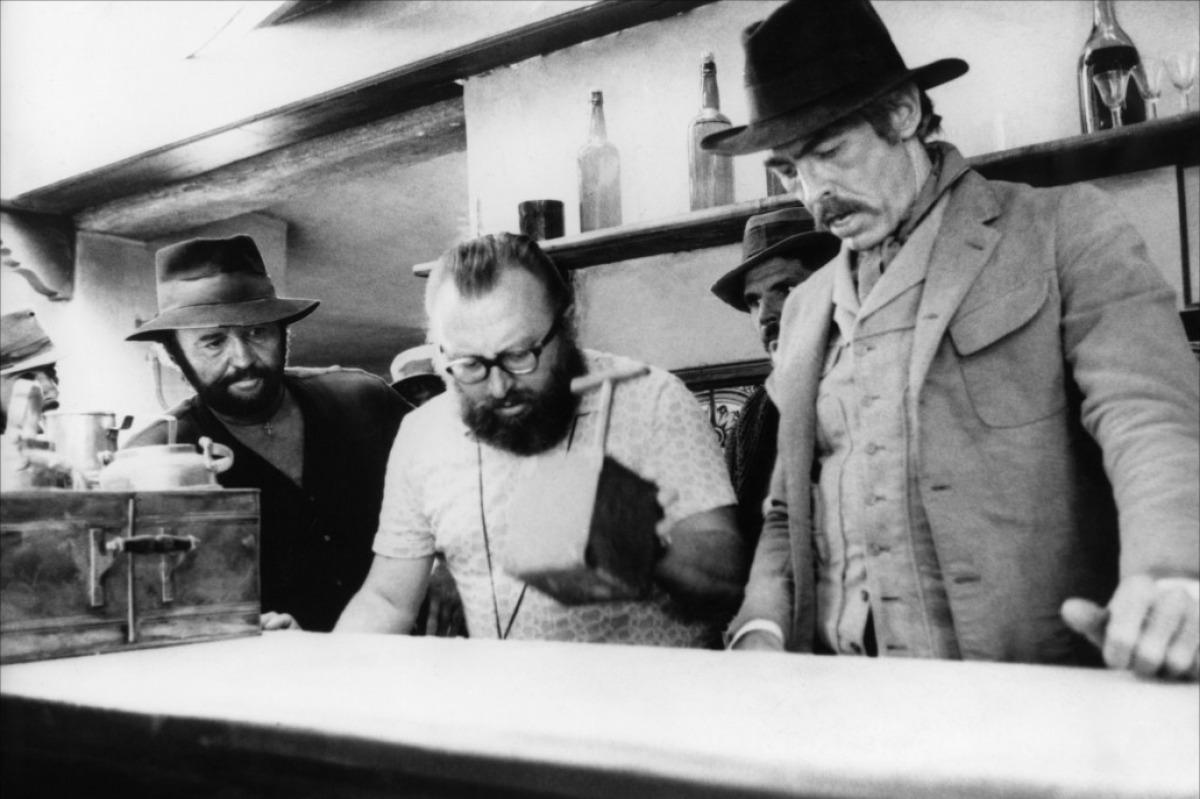Rod Steiger, Sergio Leone et James Coburn sur le tournage de Il était une fois... la révolution