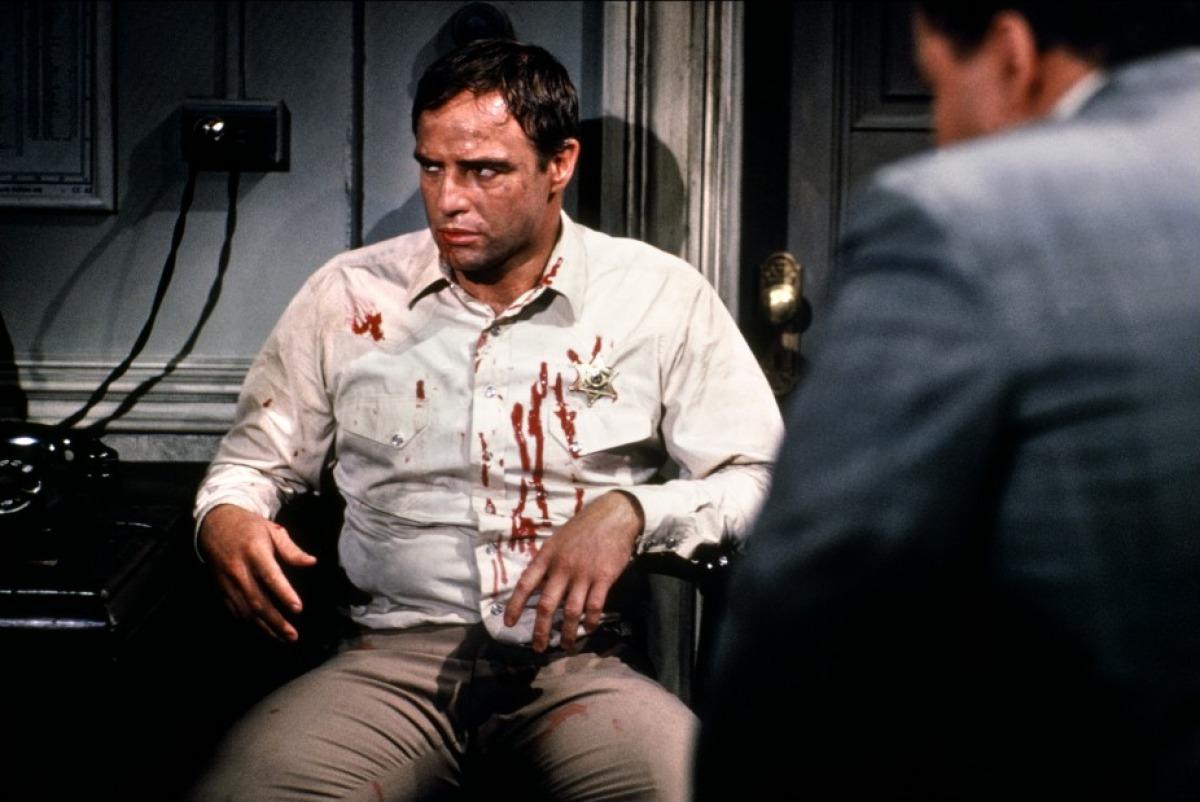 Marlon Brando tabassé dans La Poursuite impitoyable