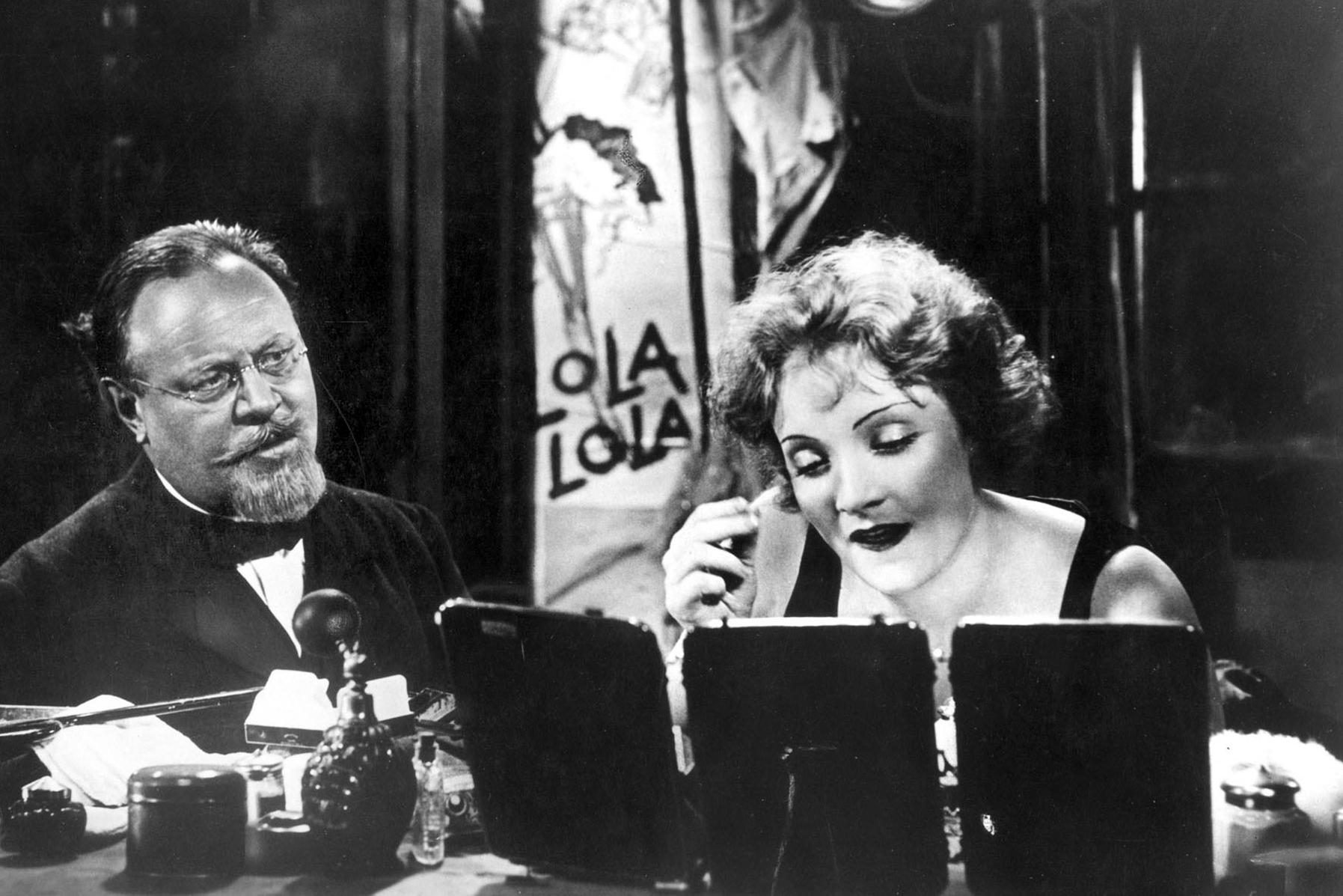 Emil Jannings et Marlene Dietrich dans L'Ange bleu de Josef von Sternberg