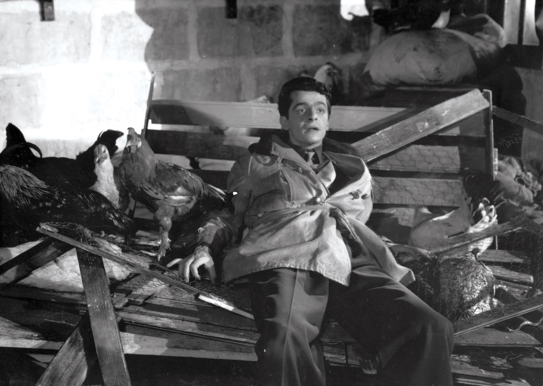 Serge Reggiani dans Les Portes de la nuit de Marcel Carné © Pathé Films