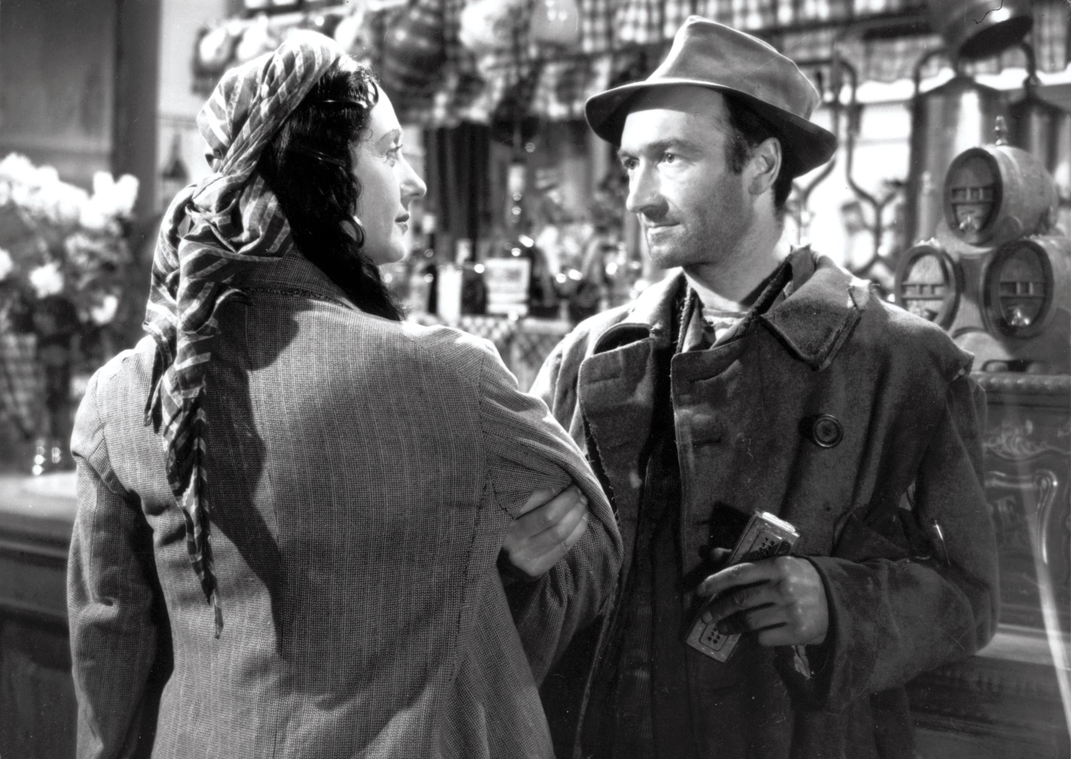 Jane Marken et Jean Vilar Serge Reggiani dans Les Portes de la nuit de Marcel Carné © Pathé Films