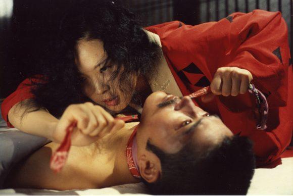 Eiko Matsuda (Sada) et Tatsuya Fuji (Kichizô)