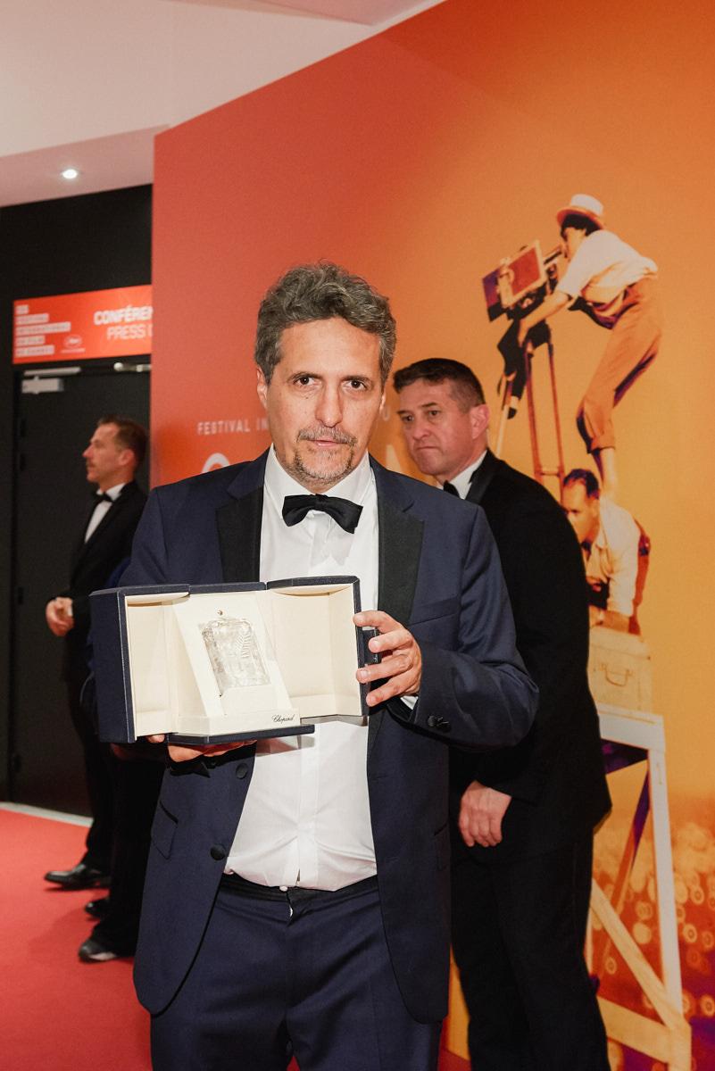 Kleber Mendonça Filho prix du jury ex-aequo pour son film Bacurau co-réalisé avec Juliano Dornelles © Bertrand Noël