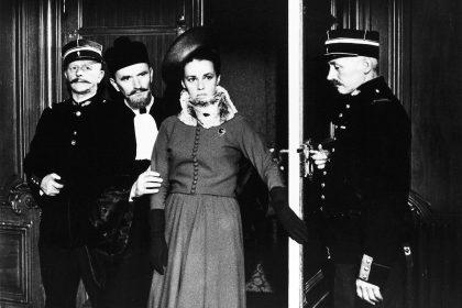 Jeanne Moreau et Jean-Louis Trintignant dans Mata-Hari, agent H21 de Jean-Louis Richard