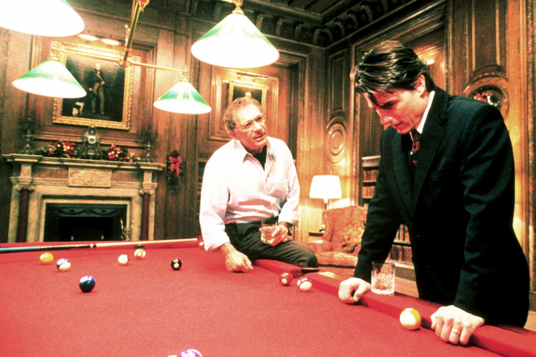 Sidney Pollack et Tom Cruise dans Eyes Wide Shut © Warner Bros. Entertainment, Inc.