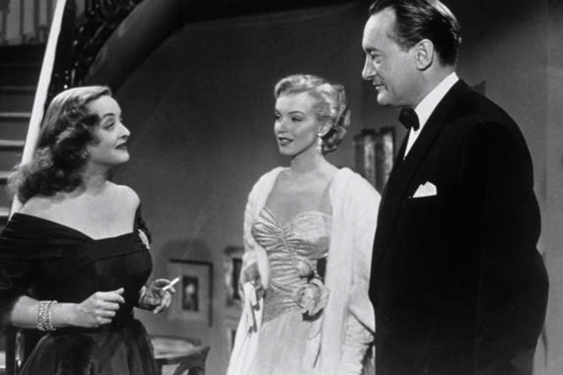 Bette Davis, Marylin Monroe et George Sanders dans Eve de Joseph L. Mankiewicz