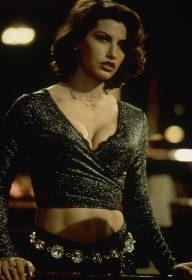 Gina Gershon dans Showgirls