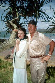 Elizabeth Allen et John Wayne dans La Taverne de l'Irlandais de John Ford