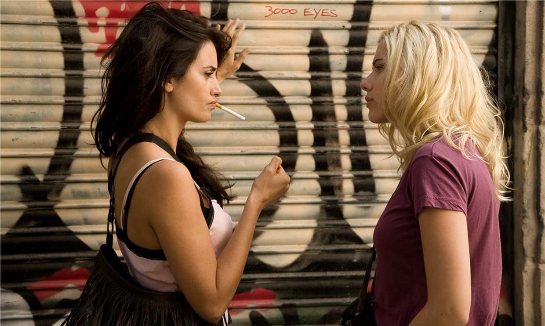 Penélope Cruz et Scarlett Johansson dans Vicky Cristina Barcelona de Woody Allen