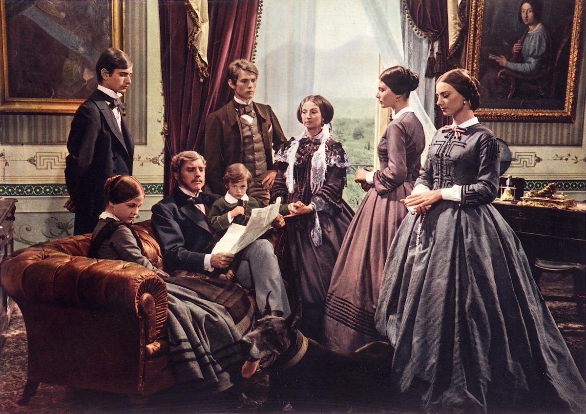 portrait de famille en intérieur : Le prince Salina entouré des siens dans Le Guépard