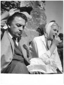 Federico Fellini et Anita Ekberg sur le tournage de La dolce vita.