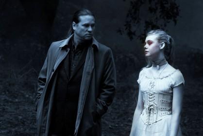 Val Kilmer et Elle Fanning dans Twixt de Francis Ford Coppola (2011)