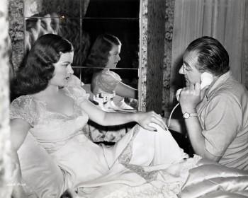 Joan Bennett et Fritz Lang sur le tournage de La Rue rouge (1945)