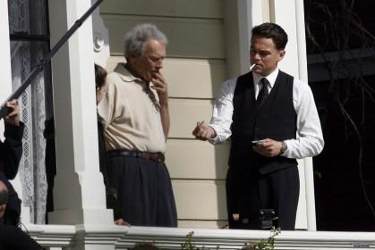 Clint Eastwood et Leonardo Di Caprio sur le tournage de J. Edgar (2011)