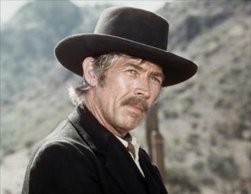 James Coburn dans Pat Garrett et Billy le Kid (1973)