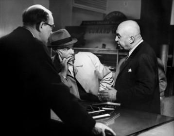 Otto Preminger et Laurence Olivier sur le tournage de Bunny Lakea disparu (1965)