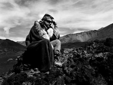 Portrait d'Albert Serra sur le tournage du Chant des oiseaux