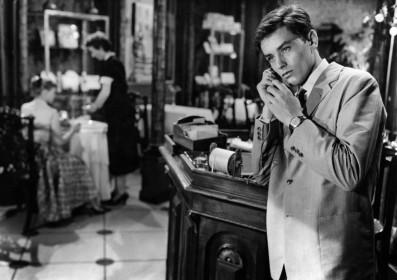 Quand la femme s'en mêle (1957)