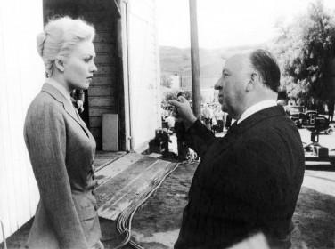 Kim Novak et Alfred Hitchcock sur le tournage de Sueurs froides
