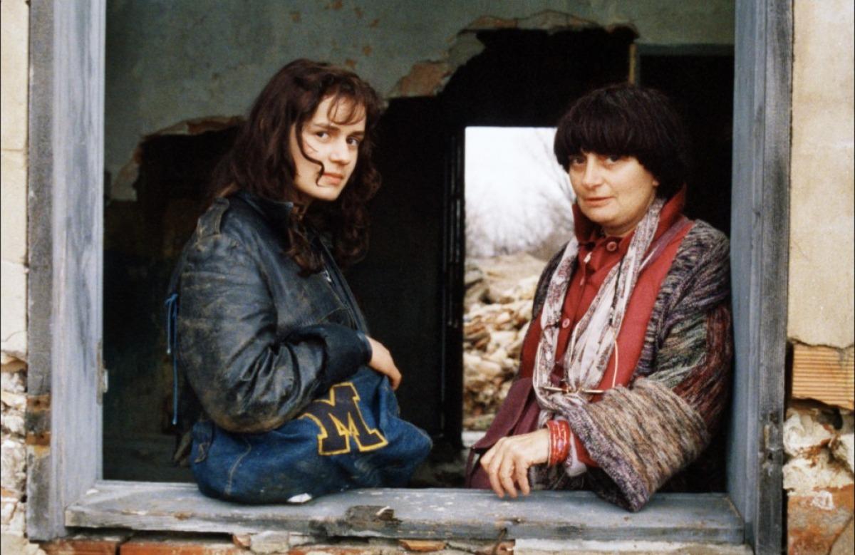 Sandrine Bonnaire et Agnès Varda sur le tournage de Sans toit ni loi