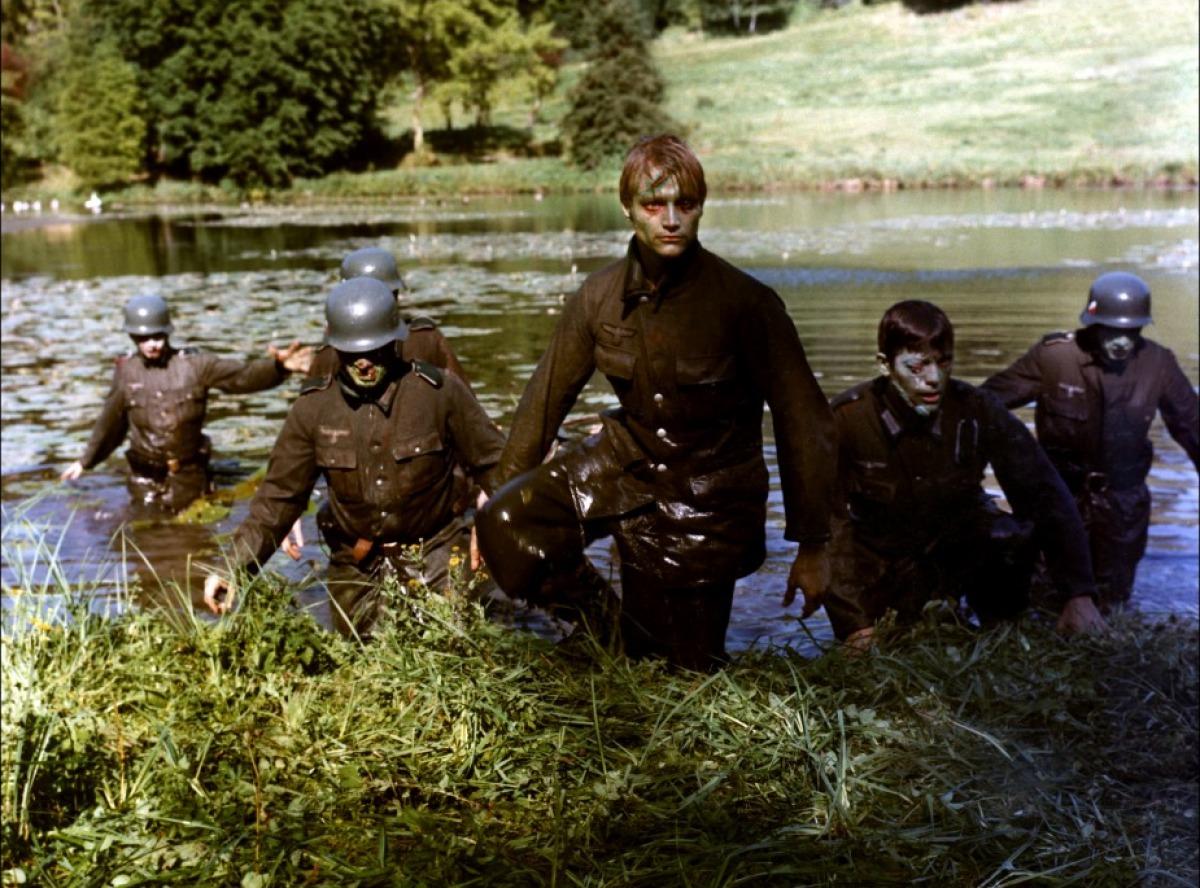 Le Lac des morts-vivants : comme un air de famille, mais attention à ne pas se tromper de film