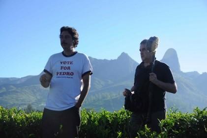 Miguel Gomes et l'ingénieur du son Vasco Pimentel sur le tournage de Tabou au Mozambique