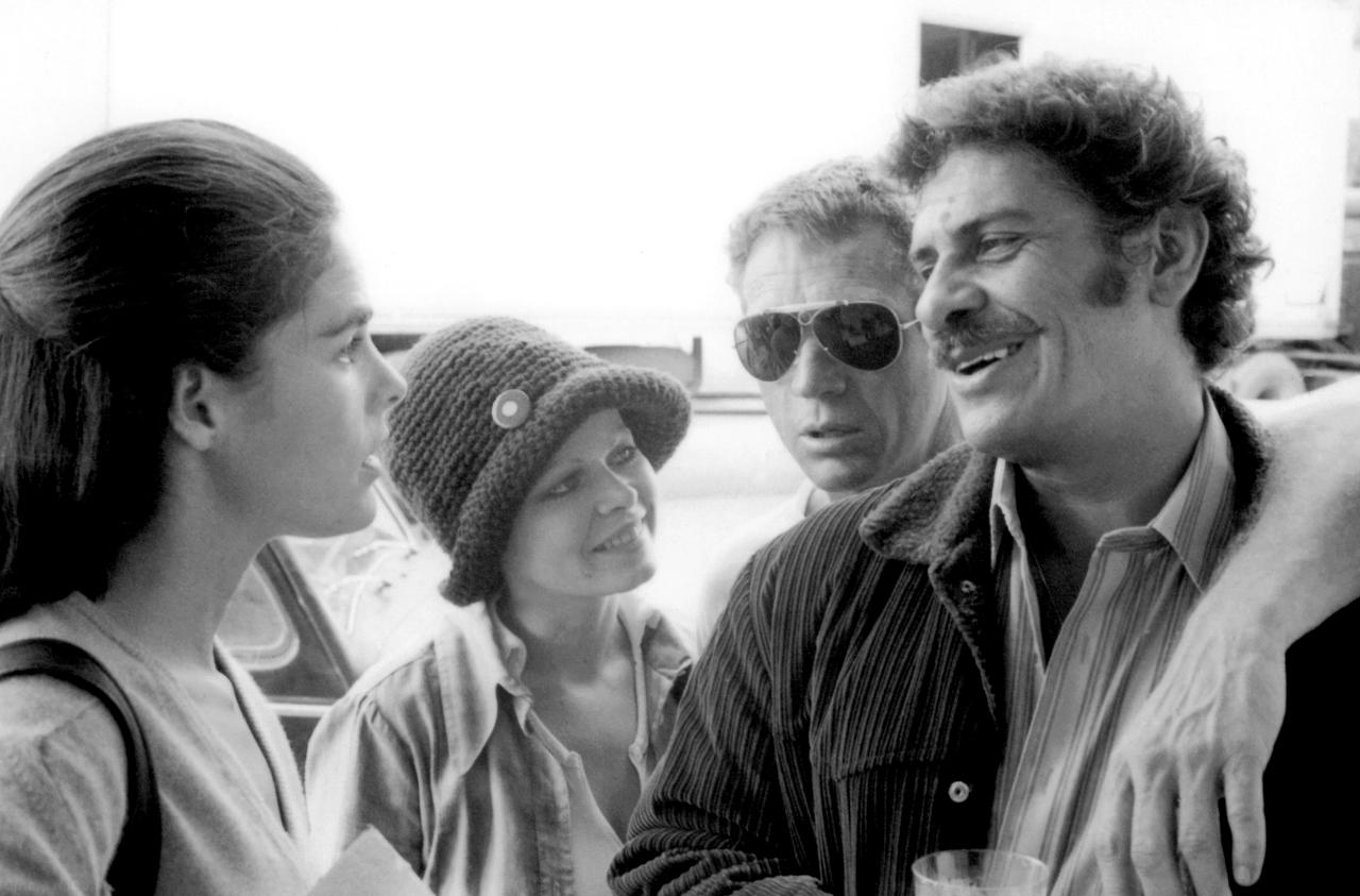 McGraw, Sally Struthers, McQueen et Al Lettieri sur le tournage de Guet-apens