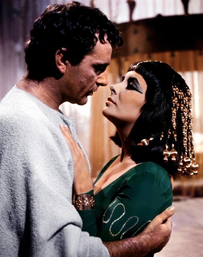 Richard Burton et Elizabeth Taylor dans Cléopâtre