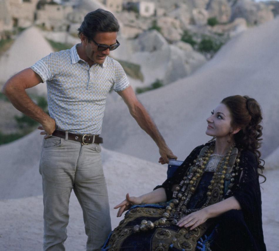 Pier Paolo Pasolini et Maria Callas sur le tournage de Médée