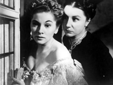 Joan Fontaine et Judith Anderson dans Rebecca