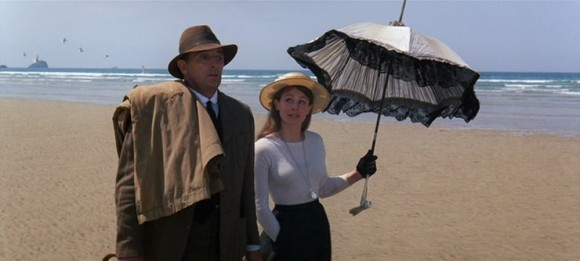 Robert Mitchum et Sarah Miles