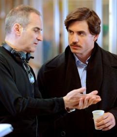 Olivier Assayas et Edgar Ramirez sur le tournage de Carlos