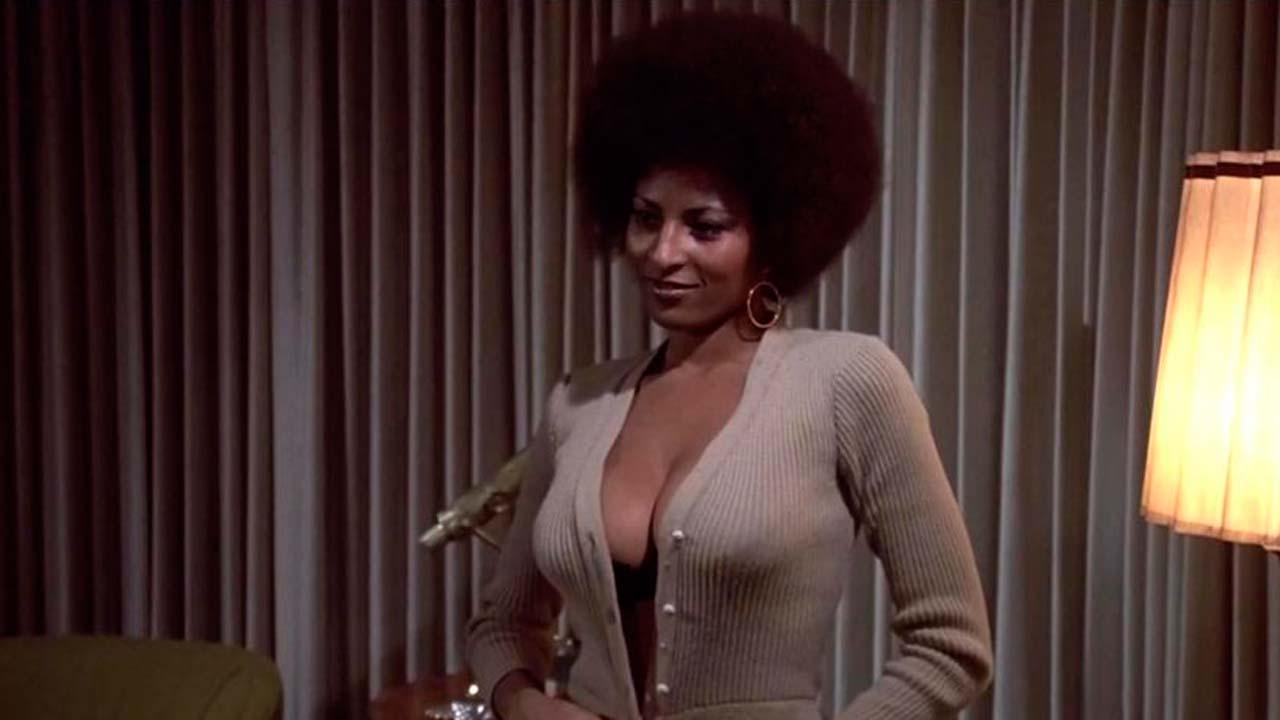 Pam Grier dans Coffy, la panthère noire de Harlem de Jack Hill