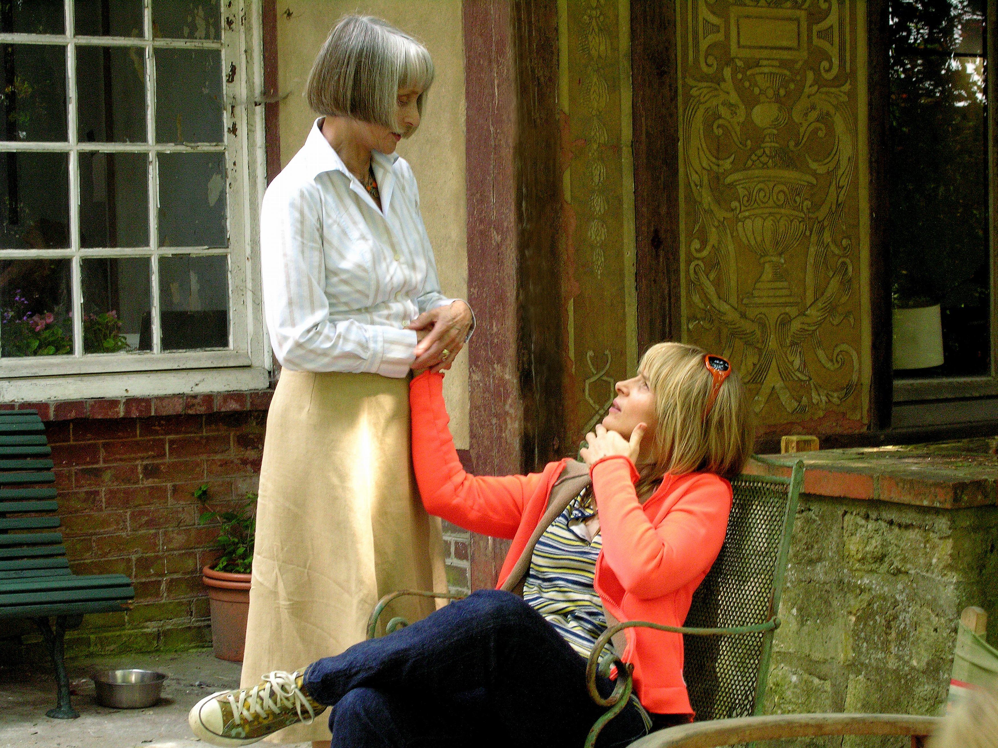 Edith Scob et Juliette Binoche dans L'Heure d'été de Olivier Assayas