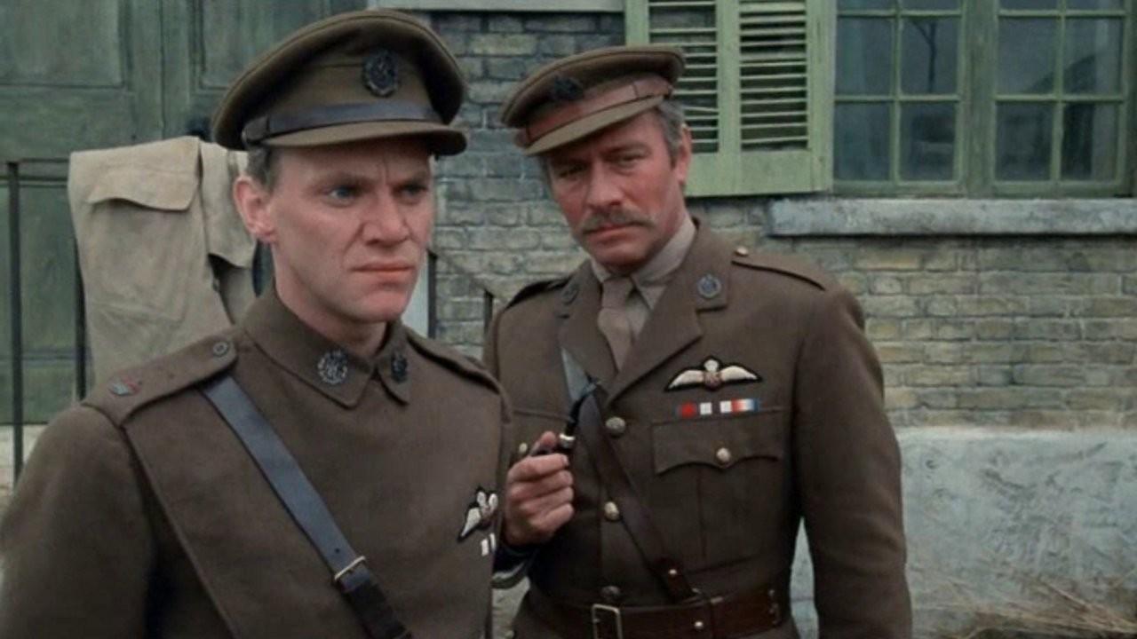 Malcolm McDowell et Christopher Plummer dans Le Tigre du ciel de Jack Gold