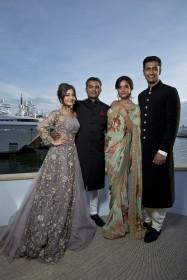Neeraj Ghaywan entouré des acteurs de son film Masaan