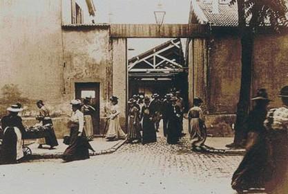 Sortie des usines Lumière à Lyon
