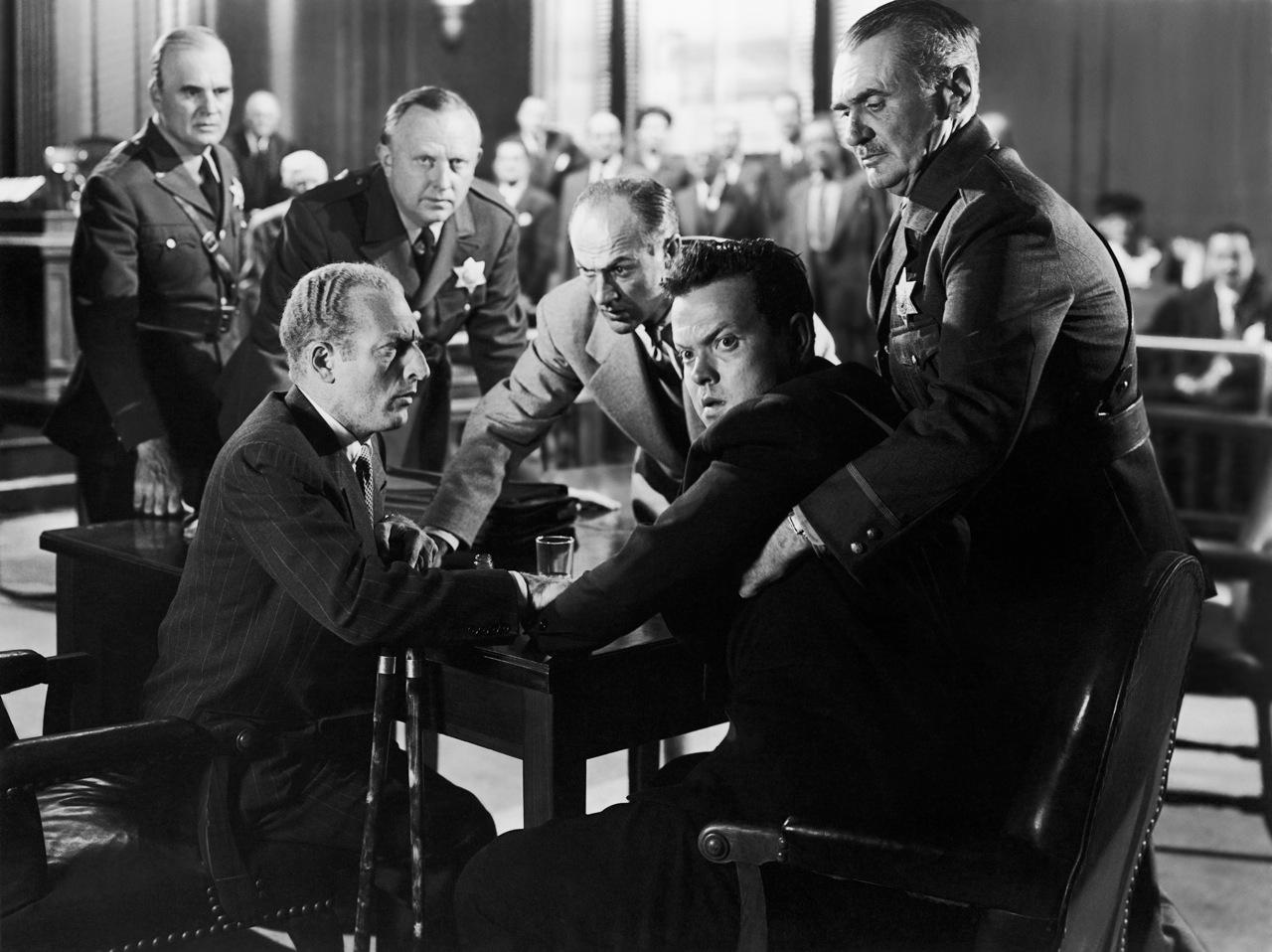 Everett Sloane et Orson Welles dans La Dame de Shanghai