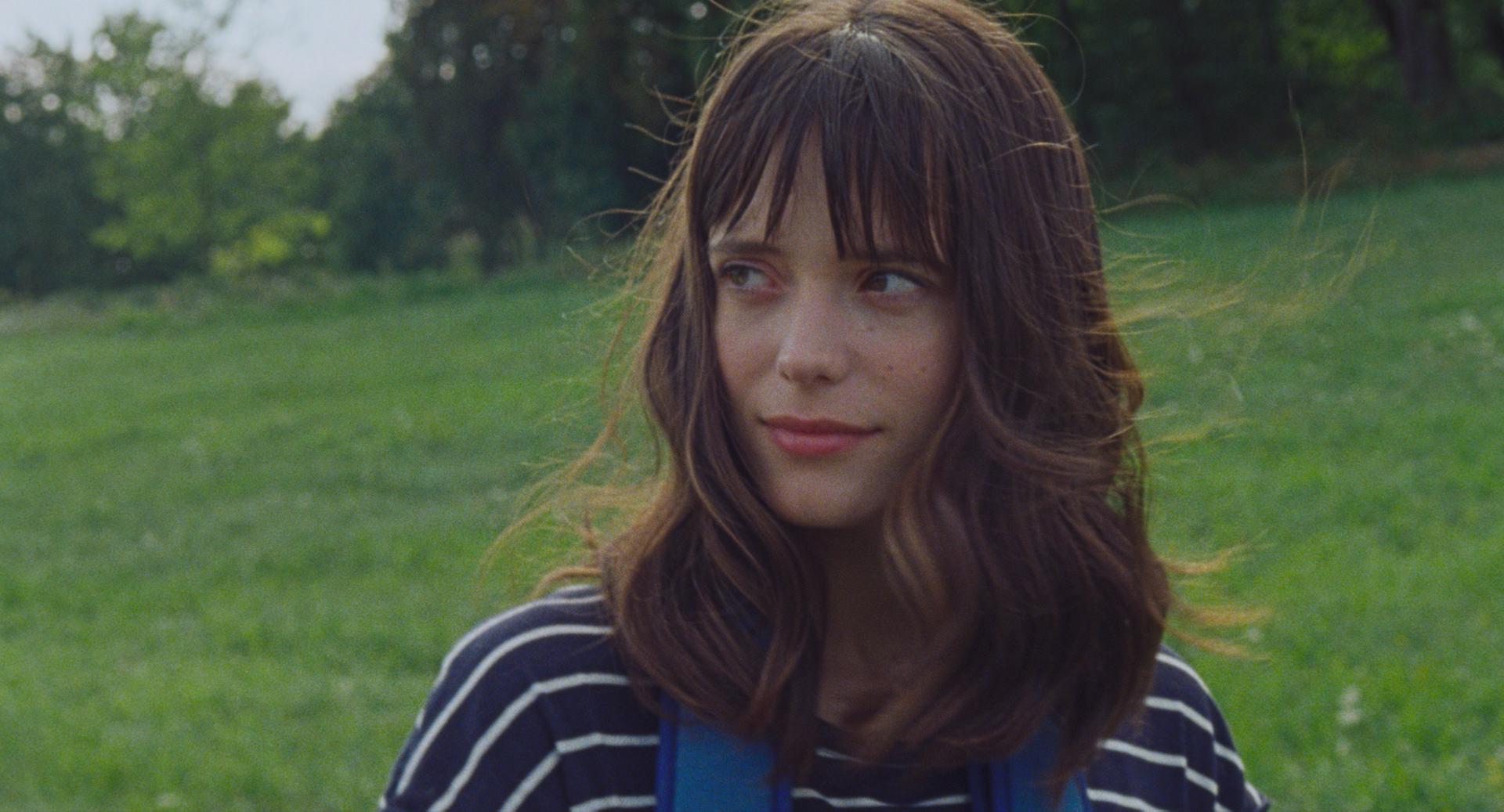 Stacy Martin dans Amanda de Mikhaël Hers