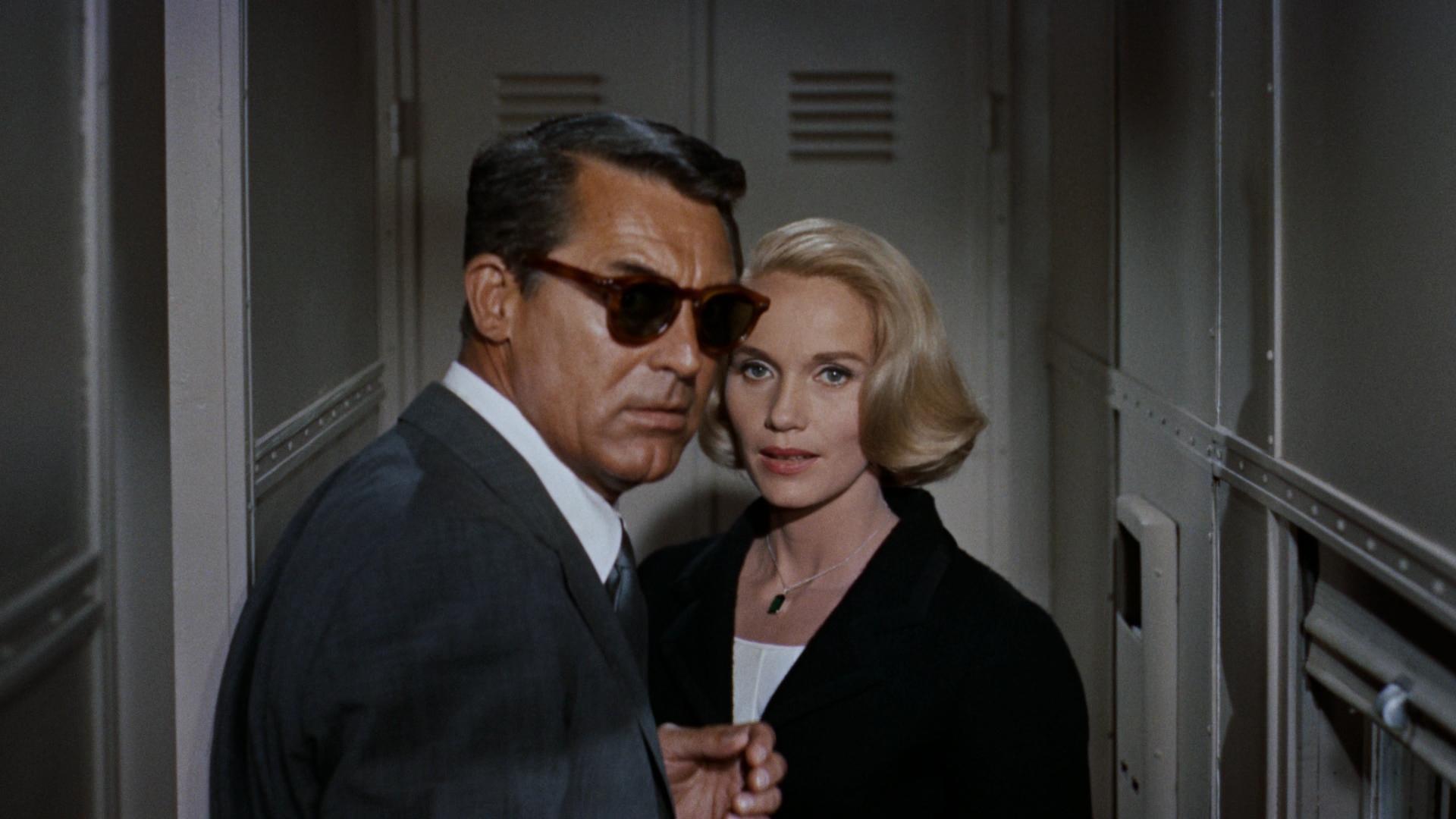 Cary Grant et Eva Marie Saint dans La Mort aux trousses de Alfred Hitchcock