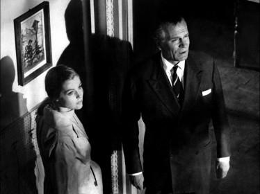 Carol Lynley et Laurence Olivier dans Bunny Lake a disparu