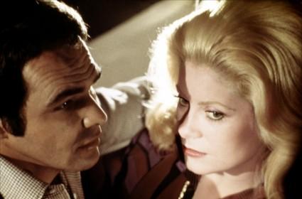 Burt Reynolds et Catherine Deneuve dans La Cité des dangers