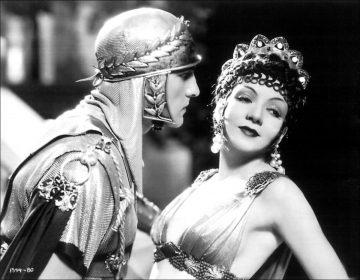 Fredric March et Claudette Colbert dans Le Signe de la croix de Cecil B. DeMille